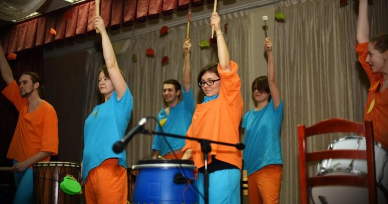 Обчение игре на энтических барабанах